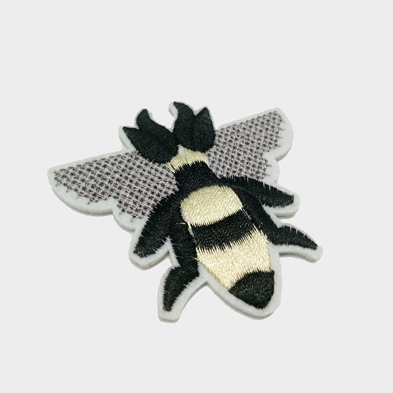 Wholesale custom animal insect patterns design embroidery patch for t shirt