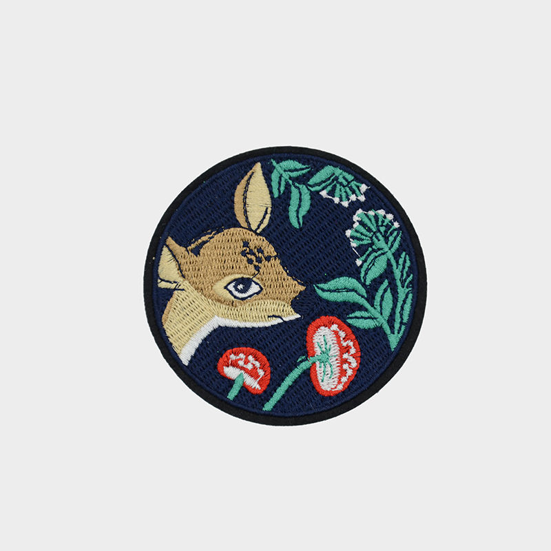 Custom wholesale cloth round badge animal cartoon deer pattern design embroidery patch  on t shirt