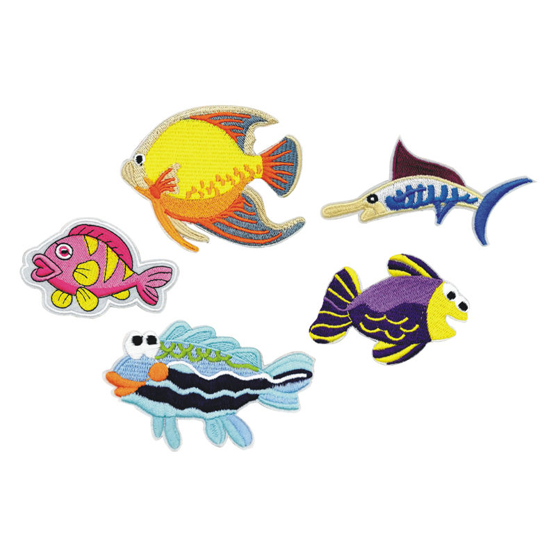 Custom wholesale clothes applique fish designs embroidered iron on patch
